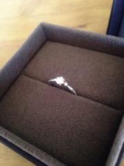 【PAVEO CHOCOLAT(パヴェオショコラ)の口コミ】 結婚指輪と婚約指輪でセットの物で揃えたくて、見つけたのがこの指輪でした…