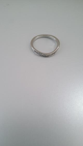 【4℃(ヨンドシー)の口コミ】 同じようなデザインの指輪が、4℃にも他のブランドにもいくつかありました…