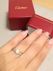 【カルティエ(Cartier)の口コミ】 美しいカットの一粒ダイヤモンドは、他の商品と比べてひときわ輝いていま…