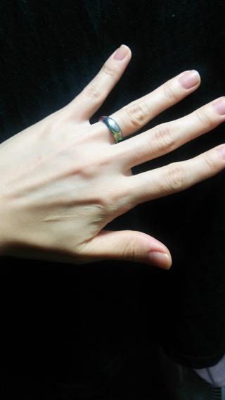 【SORA(ソラ)の口コミ】 結婚指輪は色が入っているものにしたくて雑誌などで探した結果、こちらのブ…