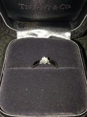 【ティファニー(Tiffany & Co.)の口コミ】 シンプルなものがよかったのでぴったりでした。 あとダイヤが指輪から飛び…