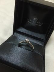 【ラザール ダイヤモンド(LAZARE DIAMOND)の口コミ】 他のブランドの可愛らしい指輪とすっごく悩みました。  こちらのお店の方…