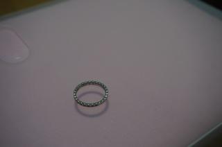 【アイプリモ(I-PRIMO)の口コミ】  たくさんの指輪を試着しましたが、この王冠のようなデザイン、細かく一粒…