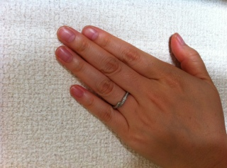 【銀座ダイヤモンドシライシの口コミ】 同じブランドで婚約指輪を購入しており、重ねづけをしても違和感のないも…