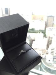 【ラザール ダイヤモンド(LAZARE DIAMOND)の口コミ】 デザインがシンプルなのにカットが綺麗でダイヤモンドのクオリティが高いた…