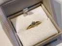 【ENUOVE(イノーヴェ)の口コミ】 結婚指輪と重ね付けした時に1番しっくりきたのでこちらにしました。 リン…