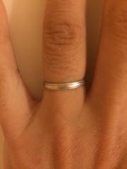 【スタージュエリー(STAR JEWELRY)の口コミ】 いくつものブランドを回り試着してみたのですが、妻も私も指が細長いタイ…