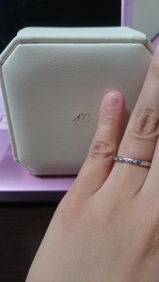 【4℃(ヨンドシー)の口コミ】 結婚する前からこのお店のペアリングやネックレスをしていたので結婚指輪…