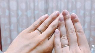 【Love Bond(ラブボンド)の口コミ】 華奢な指輪を探していました。たくさんの指輪を見せてもらった中で、付け…