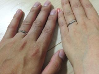 【アイプリモ(I-PRIMO)の口コミ】 この指輪を選んだ決め手として、たくさん試着した中でも一番指が綺麗に見え…