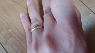 【カルティエ(Cartier)の口コミ】 以前の結婚指輪のサイズがあわなくなったので、あらたに主人と三連リング…