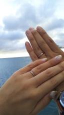 【ヴェラモーレ ディ ヌークレオの口コミ】 初めはストレートデザインを探していましたが、いろいろな指輪を試着させ…