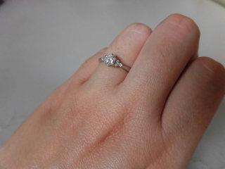 【ジュエリーツツミ(JEWELRY TSUTSUMI)の口コミ】 指輪の取り外しをするときに指にひっかからずスムーズなところが気にいっ…