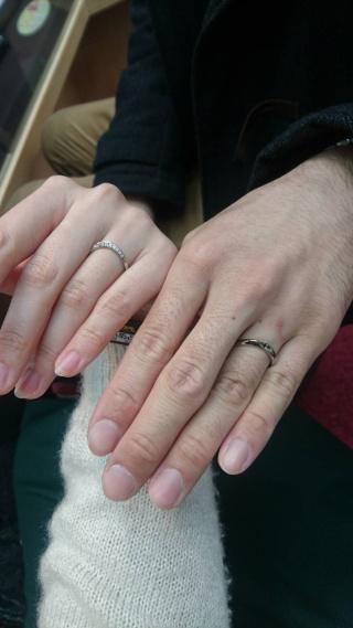 【カオキ ダイヤモンド専門卸直営店の口コミ】 リングの種類が豊富にあり、ウェーブ形の指輪を中心に見る事ができた。 夫…