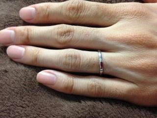 【銀座ダイヤモンドシライシの口コミ】 お店で一番シンプルで、厚みがなく、角ばっているデザインで、値段が手ご…