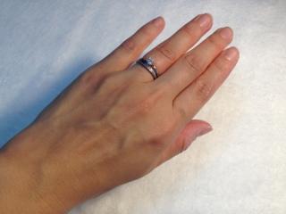 【俄(にわか)の口コミ】 結婚してからもせっかくの婚約指輪はつけたかったので、セットリングである…