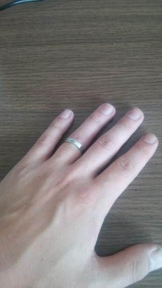 【都民共済(とみんきょうさい)の口コミ】 この指輪の決め手となったのは飽きのこないシンプルなデザインであることで…