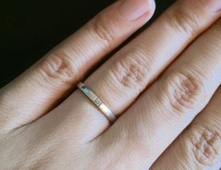 【ヴァンドーム青山(Vendome Aoyama)の口コミ】 結婚指輪はずっとつけたまま過ごしたかったので、家事の邪魔にならないシン…
