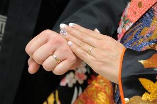 【ete(エテ)の口コミ】 女性用にはダイヤが入っていたため、一目惚れしました。色黒の指にも映え…