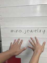 【mina.jewelry(ミナジュエリー)の口コミ】 マルシカクのつけ心地の良さ!面を変えるといろな表情を楽しめるところも…