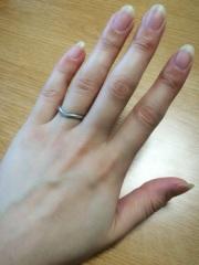 【ティファニー(Tiffany & Co.)の口コミ】 普段、家事をする時も身に付ける結婚指輪なので、プラチナの、そしてシンプ…