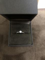 【CHER LUV(シェールラブ)の口コミ】 シンプルなのがもともとほしかったことやらダイヤも大きすぎず小さすぎず…
