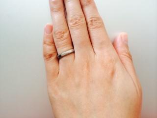 【Sge Smith(シゲスミス)の口コミ】 この指輪に決めた一番の理由は、刻印を自分たちで入れることができたから…
