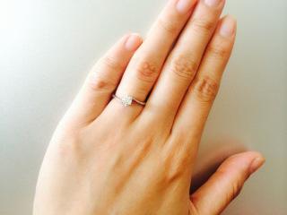 【アイプリモ(I-PRIMO)の口コミ】 彼がプロポーズの時に婚約指輪をプレゼントしてくれました。 ダイヤモンド…
