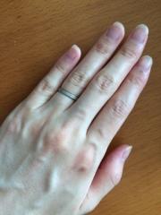 【BROWNDIAMOND(ブラウンダイヤモンド)の口コミ】 結婚指輪はダイヤモンドが入っているものにしようとずっと決めていました。…
