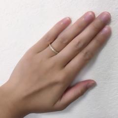 【4℃(ヨンドシー)の口コミ】 婚約指輪も今後ずっとつけていられるデザインがよかったので、ファッション…