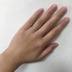 【アイプリモ(I-PRIMO)の口コミ】 婚約指輪と重ね付けをする予定だったので合うものを選びました。重ね付けし…