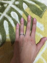 【THE KISS(ザ・キッス)の口コミ】 ゴツゴツしたものではなく細いタイプでダイヤの入っている指輪を探してい…
