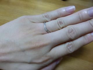 【アイプリモ(I-PRIMO)の口コミ】 他の店も試着したが、自分の指に似合う指輪になかなか出会えなかった。し…