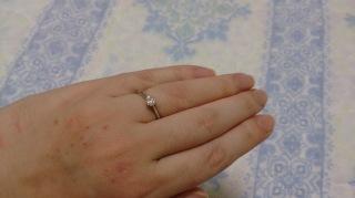 【銀座ダイヤモンドシライシの口コミ】 ダイヤモンドの輝きが青く、とても美しかったところです。10種類以上ダイ…