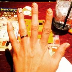 【銀座ダイヤモンドシライシの口コミ】 決め手は、私も旦那も指輪のデザインがすごく気に入りました。シンプルで…