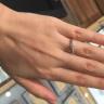 【Galopine & Galopin(ガロピーネガロパン)の口コミ】 非常に綺麗なセンターダイヤモンドであり、キラキラとした上品な光が魅力…