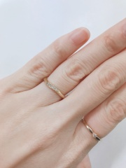 【ラザール ダイヤモンド(LAZARE DIAMOND)の口コミ】 ウェーブタイプの指輪か良くて探していました。色々パンフレットを取り寄…