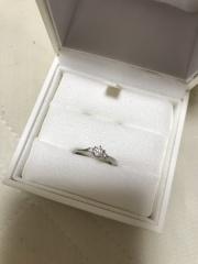 【EAU DOUCE4℃の口コミ】 シンプルながらも、石の存在感のあるものにした。結婚指輪を先に決めてい…