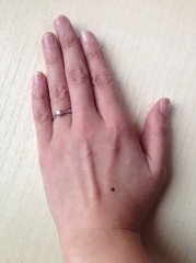【ラザール ダイヤモンド(LAZARE DIAMOND)の口コミ】 ウェーブ状のフォルムのおかげで、指がとても長くキレイに見えるので選びま…