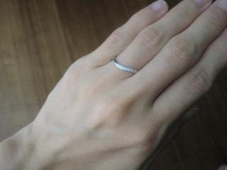 【TASAKI(タサキ)の口コミ】 シンプルなデザイン、且つ、婚約指輪はもらわないので少しでもダイヤが入…