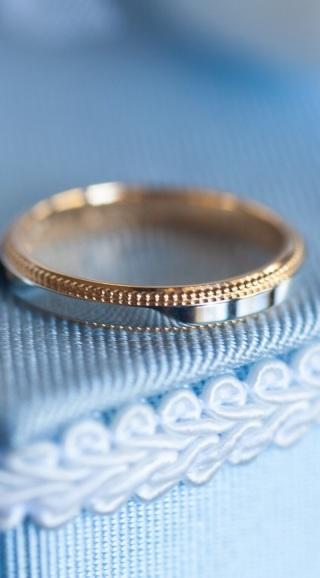 【ヴァンドーム青山(Vendome Aoyama)の口コミ】 ゴールドのシンプルな結婚指輪を探しており、デザインが気に入り、この指輪…