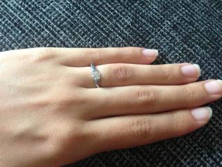 【LUCIE(ルシエ)の口コミ】 何かと海に所縁があったので婚約指輪は海をモチーフにしたものがいい!と…