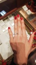 【ケイウノ ブライダル(K.UNO BRIDAL)の口コミ】 まず一番に目がいったのはダイヤの綺麗さです。小粒ではあるもののとても…