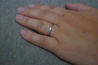 【LUCIE(ルシエ)の口コミ】 仕事上、シンプルな目立たない指輪が良かったため、デザインを気に入り、こ…
