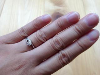 【ラザール ダイヤモンド(LAZARE DIAMOND)の口コミ】 形が気に行ったこともあるのですが、お店の方の話術に引きこまれてしまい、…