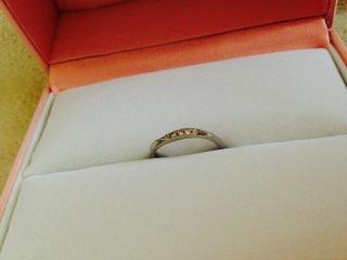 【Pink Dolphin Diamond(ピンクドルフィンダイヤモンド)の口コミ】 指に合っていて、尚且つ日常生活で邪魔にならない指輪を探していました。 …