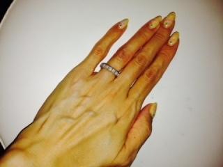 【ショパール(Chopard)の口コミ】 とてもシンプルでひっかかりのないデザインなので選びました。  指が細い…
