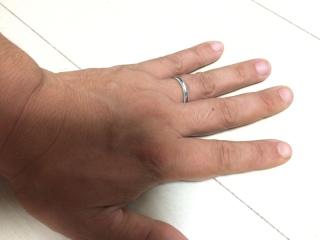 【ティファニー(Tiffany & Co.)の口コミ】 サイズ直しができないとのことで、少し悩みましたが、正反対の手のタイプ…