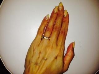 【ショパール(Chopard)の口コミ】 シンプルで手が若く見えるゴールドが欲しいと思っていました。常に付けてお…