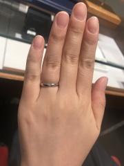 【TASAKI(タサキ)の口コミ】 婚約指輪のような大きなダイヤモンドが印象的な結婚指輪でした。1粒の大き…